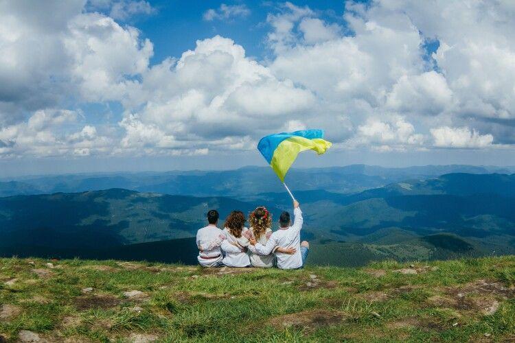 Підкоримо Карпати з«АТБ»: найбільш економні рішення для туристів