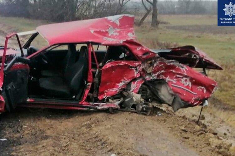 На волинській трасі зіткнулося чотири авто: через аварію ускладнений рух (Фото)