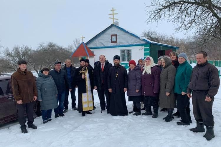За 15 км від російського кордону «розмосковилося» слобожанське село! (фото)