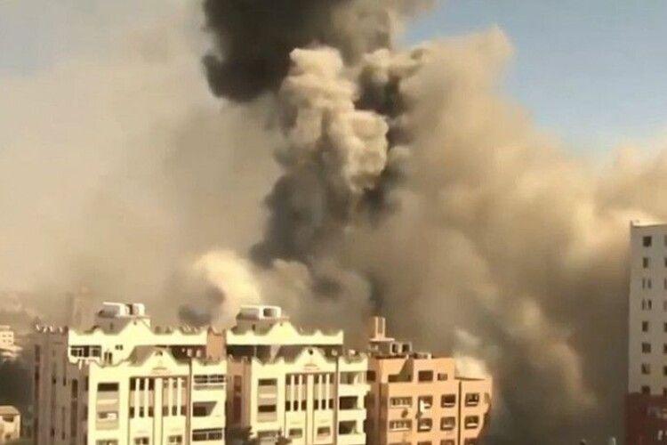 Ізраїль атакував ракетами будівлю в Секторі Гази, де розміщені офіси світових ЗМІ