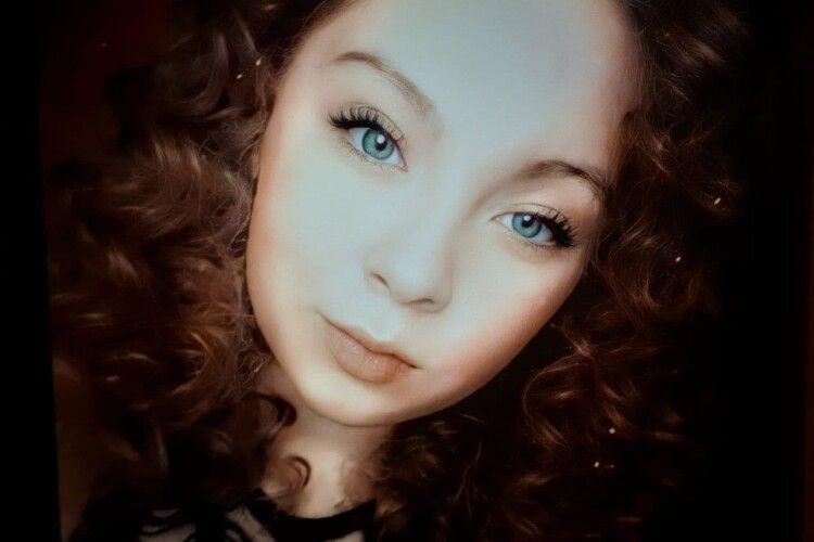 Пішла до школи і не повернулася: раптово безвісті зникла 14-річна дев'ятикласниця