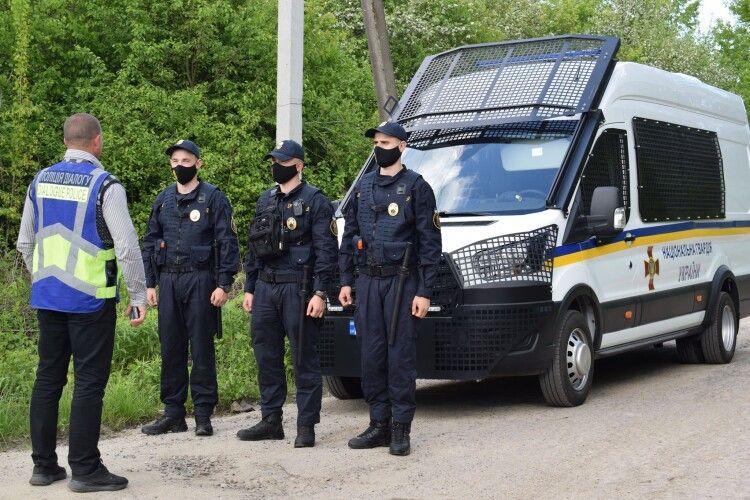 Поблизу Луцька біля ресторану затримали чоловіка з наркотиками
