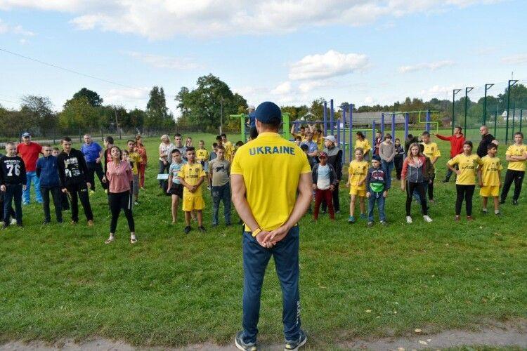 Чемпіон Європи тренував дітей і підлітків у селищі на Волині (Фото)