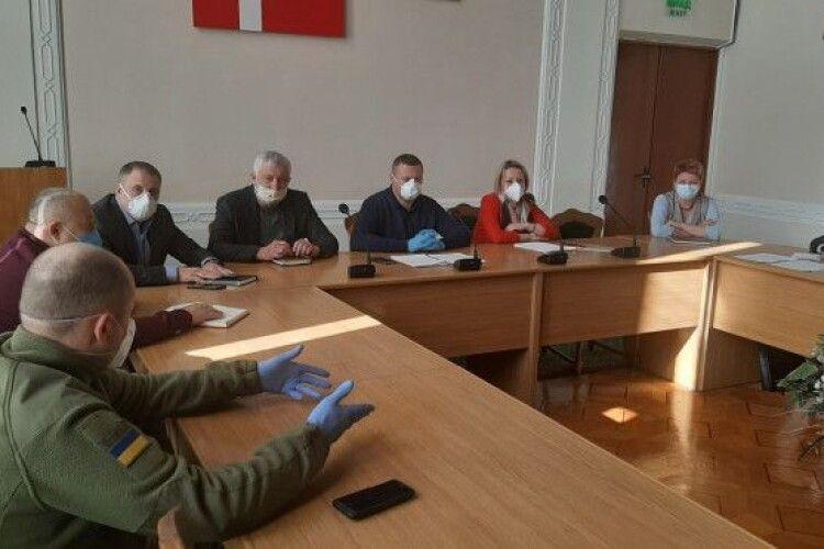 Експрес-тести на коронавірус з 16 квітня робитимуть усім, хто перетинає кордон України через ПП «Ягодин»