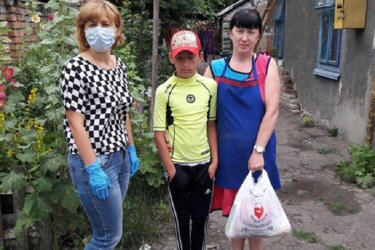 20 «особливих» луцьких родин отримали допомогу від благодійників