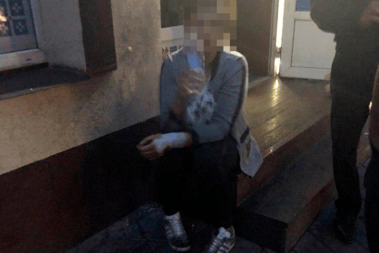 У Кременчуці 19-річна дівуля віддухопелила та пограбувала дорослого чоловіка