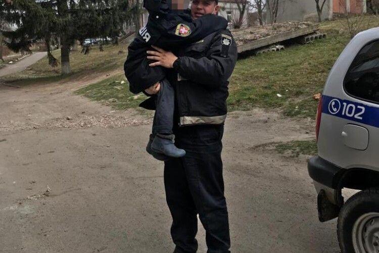 Хлопчика, якого знайшли в болоті на Горохівщині, забрали соцслужби (Фото)