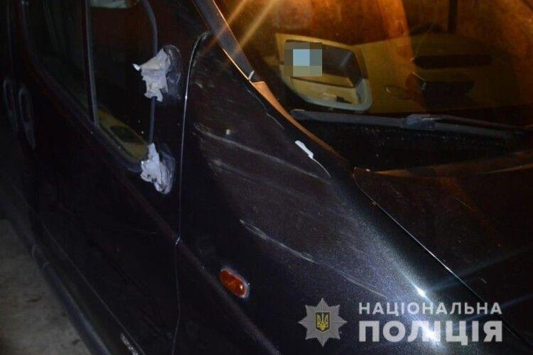 На Волині поліцейські за декілька годин затримали крадія автомобіля