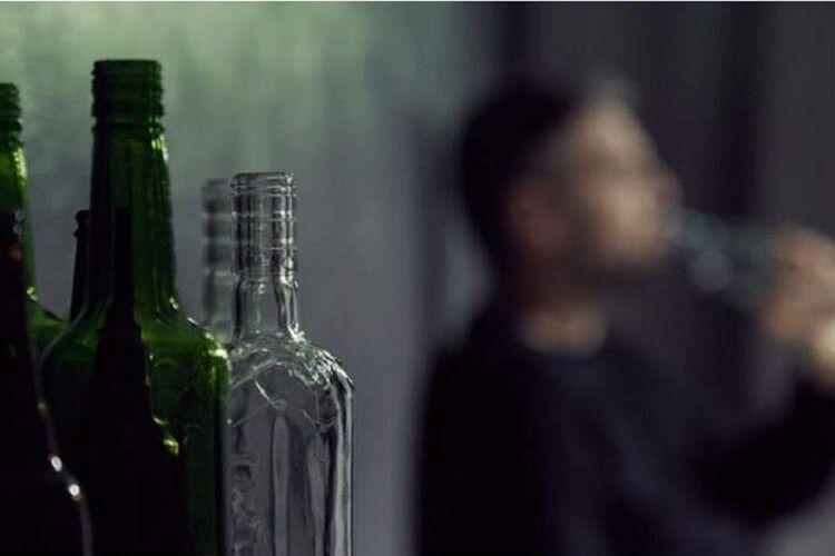 У Луцьку продавчиня вночі злупила з муніципалів за пиво подвійну ціну