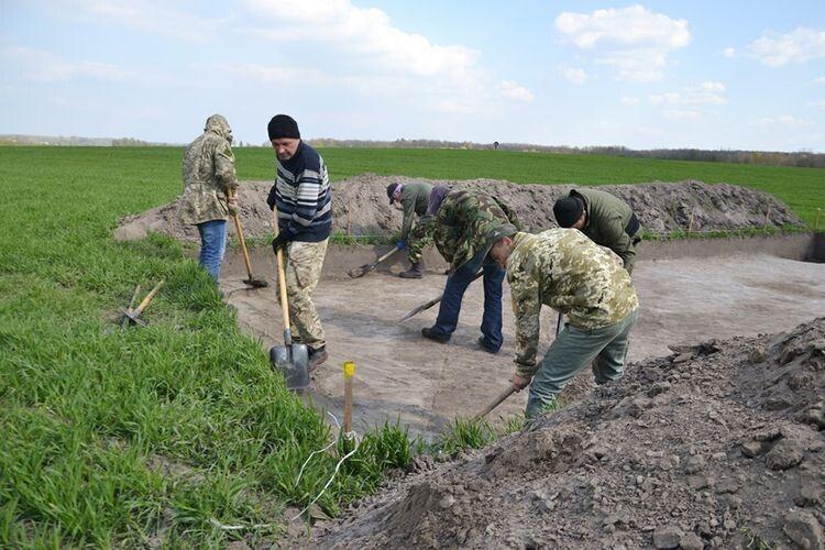 Волинські археологи досліджують Івано-Франківщину
