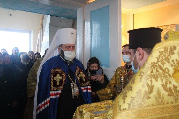 Митрополит Михаїл відвідав парафію, яка приєдналась до ПЦУ