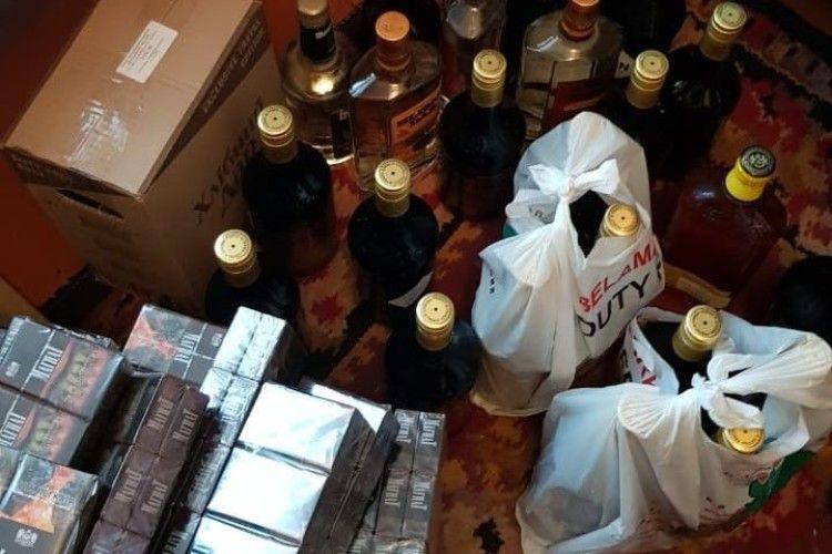 У ковельчанина вилучено фальсифіковані ліки, цигарки та алкогольні напої (Фото)