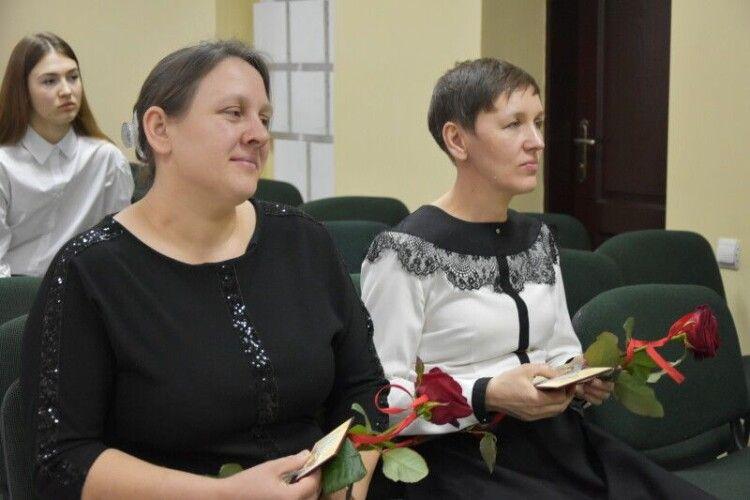Двом лучанкам присвоєно почесне звання «Мати-героїня»
