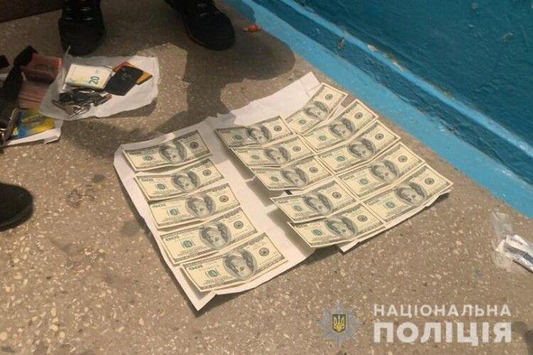 Посадовицю Волинської ОДА затримали на хабарі: відомо кого (Фото)
