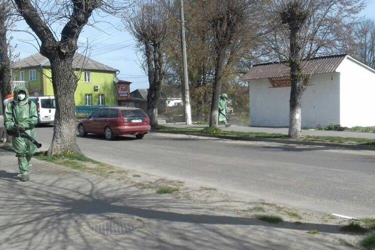 Рятувальники провели дезінфекцію вулиць у Камені-Каширському