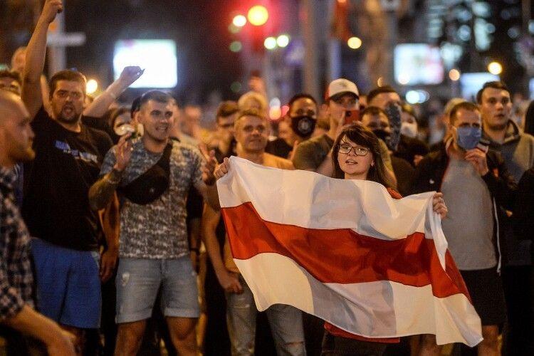 Якою була четверта ніч протестів у Білорусі