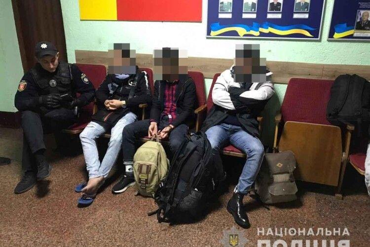У Луцьку виявили підозрілих іноземців на авто (фото)