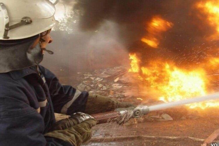 Після гасіння ресторану у Володимирі госпіталізували рятувальника