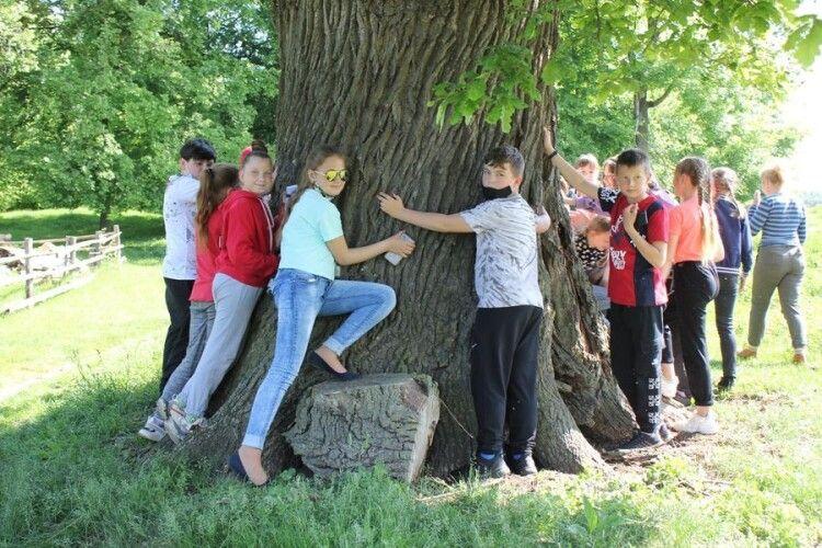 На Волині учні скуштували родонову воду (Фото)