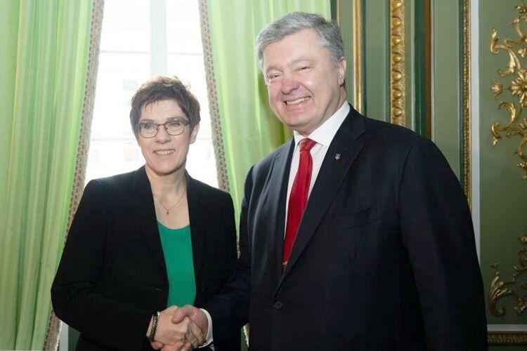 Порошенко уМюнхені: «Україна якомога швидше має стати членом НАТО»