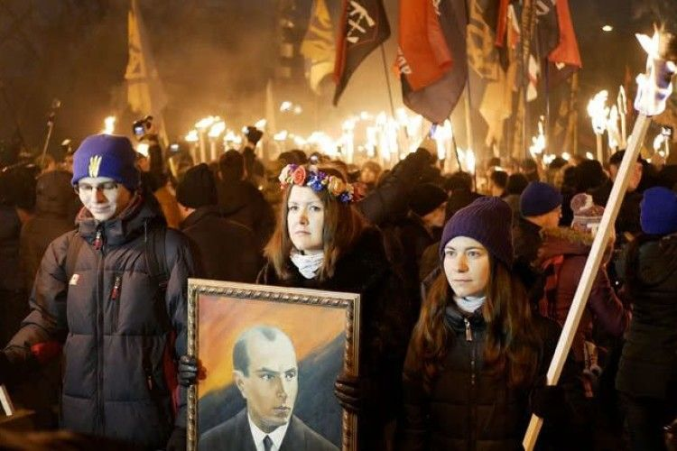 «Ой, мама, апйять «бандери панаєхалі!» – у Слов'янську та Авдіївці також влаштували «Марші Бандери» (Відео)