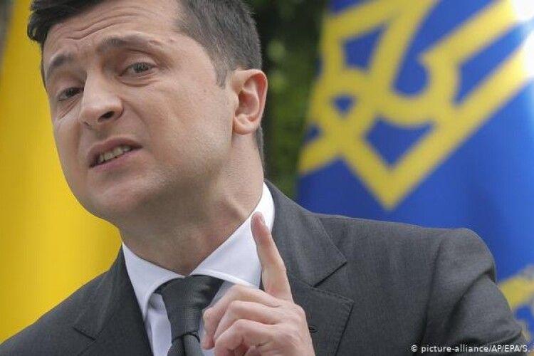 Зеленський заявив, що ймовірність повноцінної війни з Росією існує