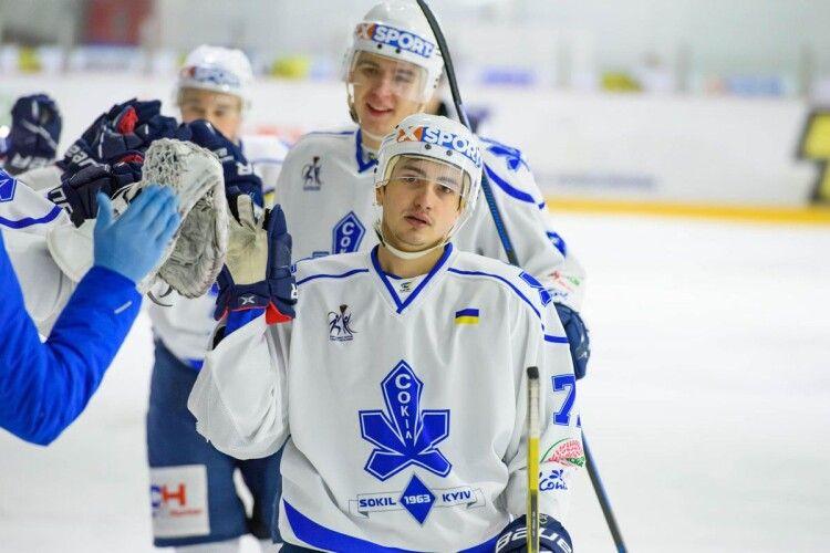 Київський Сокіл підписав новий контракт з найрезультативнішим хокеїстом