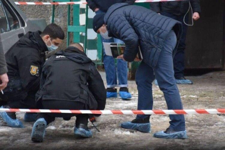 Вийшов з будинку з головою людини: українець жорстоко вбив батька і невідому особу (Фото)