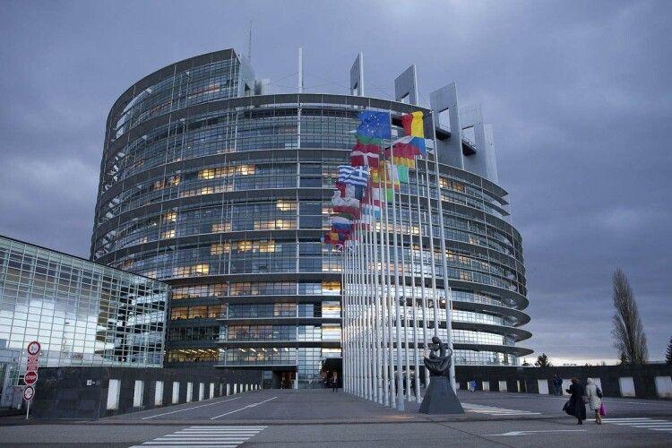 У Європарламенті застерігають Зеленського від політичного переслідування Порошенка