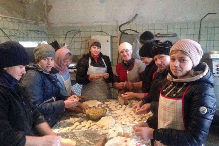 На Ківерцівщині зібрали допомогу бійцям на Схід