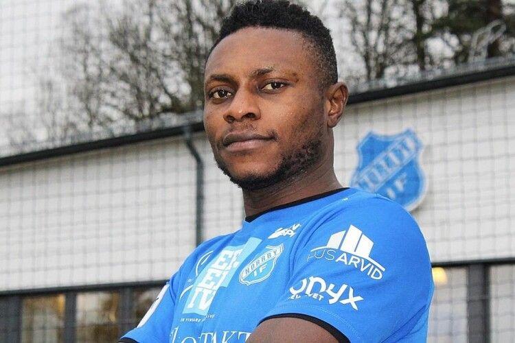 У Швеції темношкірого футболіста дискваліфікували за расистські висловлювання
