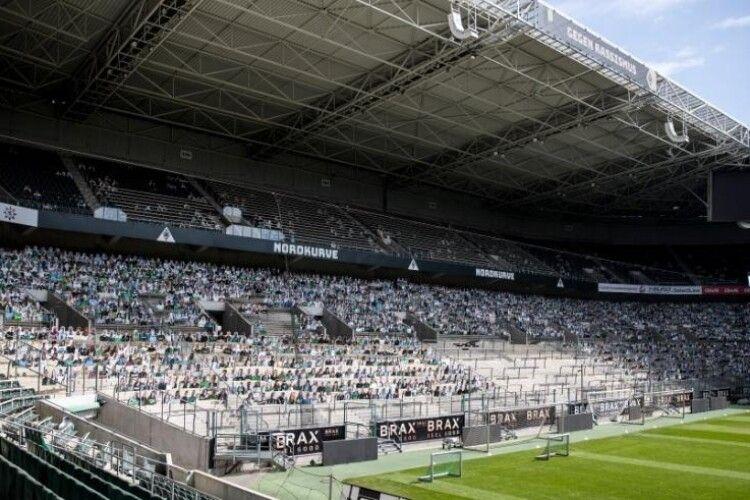 Німецька «Боруссія» продала місця на стадіоні уявним глядачам