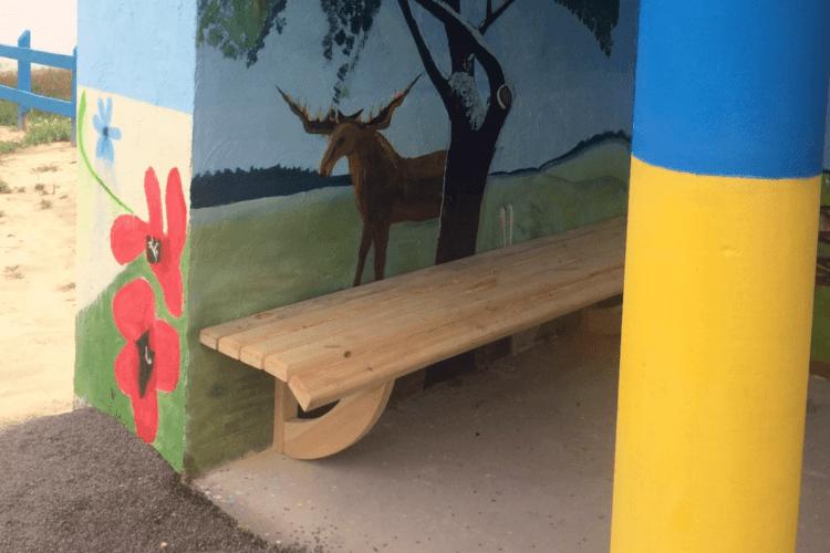 У селі на Волині розмалювали зупинку