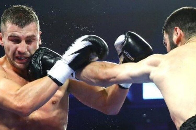 Гвоздик програв Бетербієву у поєдинку в напівважкій вазі і втратив титул чемпіона світу
