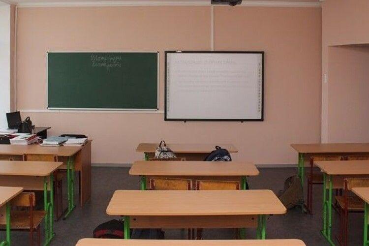 Сарненські поліцейські розслідують факт отруєння 68 школярів