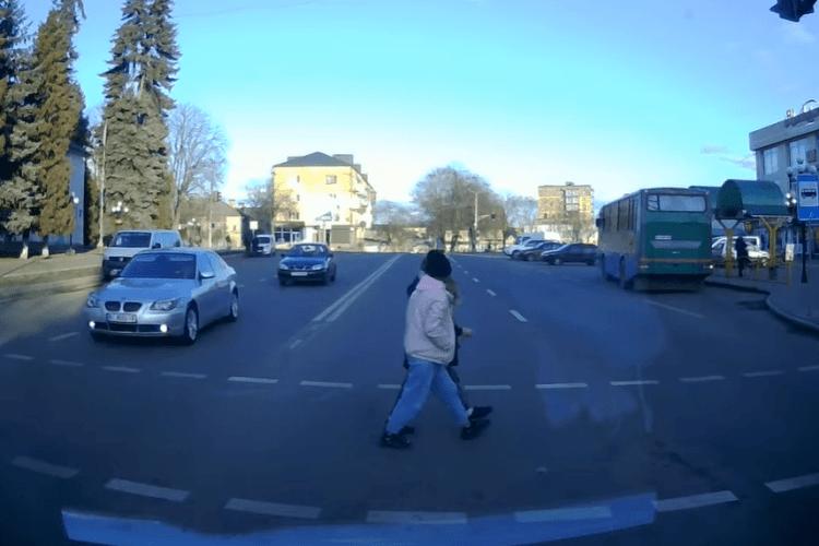 На Волині оштрафували водія автобуса, який порушив ПДР (Відео)