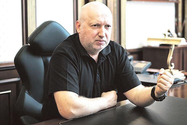 «Порошенка звинувачують навіть  у тому, що він продовжив  контрнаступ на Донбасі»