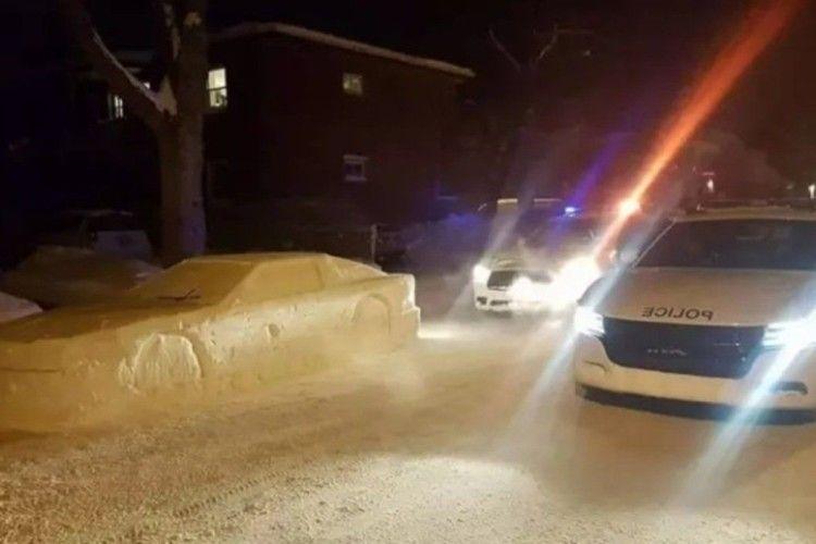 У Монреалі чоловік випадково розіграв поліцію за допомогою снігового автомобіля