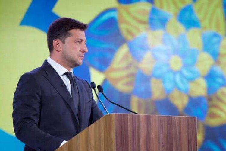 Зеленський закликав жителів Донбасу та Криму відзначити День Незалежності України