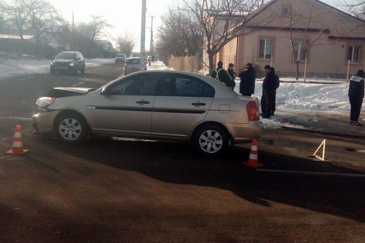 У Рівному двоє водіїв потрощили автівки в аварії