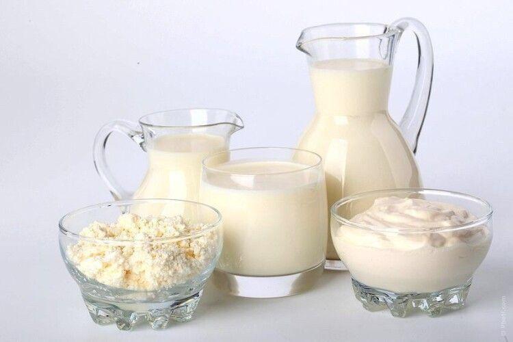 Чому Україна продовжує купувати все більше молочної продукції за кордоном