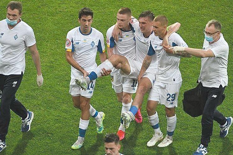 «Динамо» гасить «Зорю», Цвек б'є Сидорчука, а Мораєс молотить «Колос» (Відео)