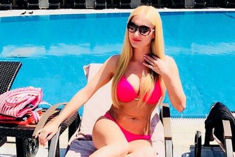 У наручниках і з пакетом на голові: слідство заявило про самогубство української моделі Новицької в Туреччині