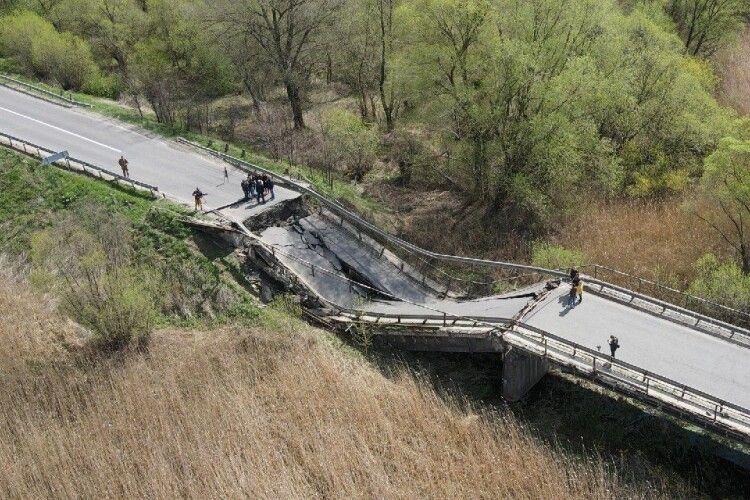 Обвал мосту на дорозі Луцьк-Львів: як довго траса буде заблокована