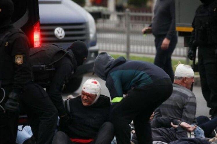 Силовики Білорусі заявили, що будуть стріляти бойовими в протестувальників