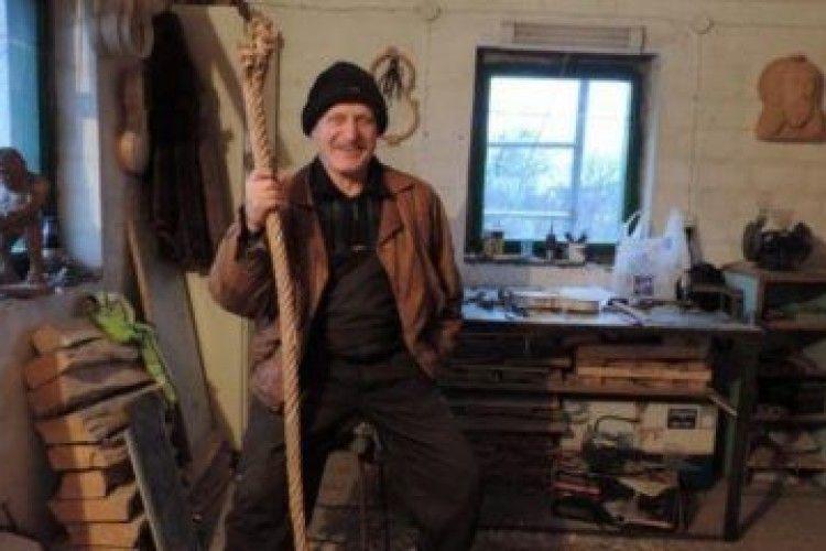 66-річний українець створює унікальні скрипки прямо у себе в гаражі