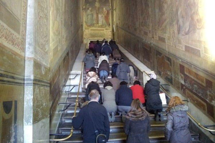 Сходи, якими Христос ішов на суд до Пилата, закрилися на реставрацію