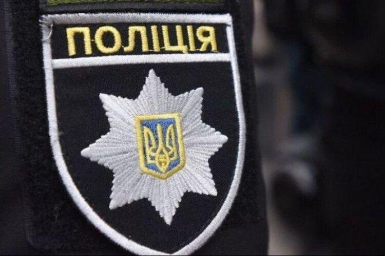 Поліцейські Володимир-Волинського району шукають власників вилучених речей (Фото)