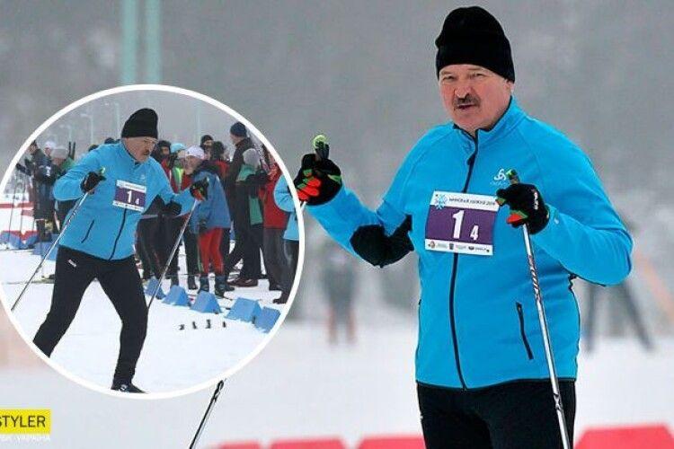 Лукашенко переміг на лижних змаганнях: суперники падали прямо перед фінішем