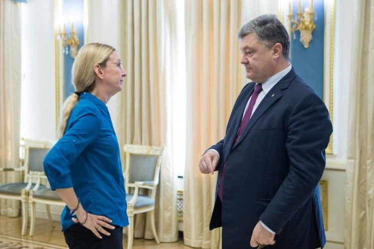 Президент Порошенко і Прем'єр Гройсман підтримали Уляну Супрун